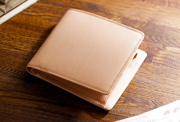 パティーナ 二つ折り財布