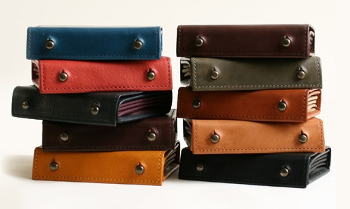 エムピウ 一枚革の二つ折り財布