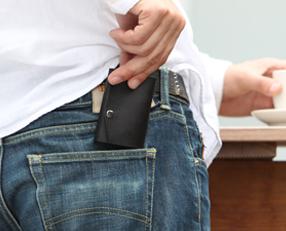 ポケットに収まる財布