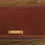キャサリン・ハムネットの長財布