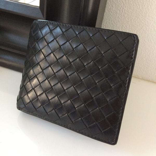 ボッテガ・ヴェネタ二つ折り財布