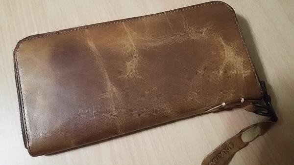 ソラチナラウンドZIP財布