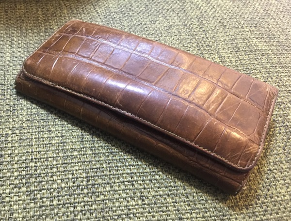 フェリージ長財布