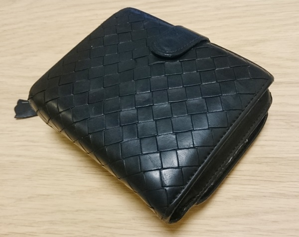 ボッテガヴェネタ二つ折り財布