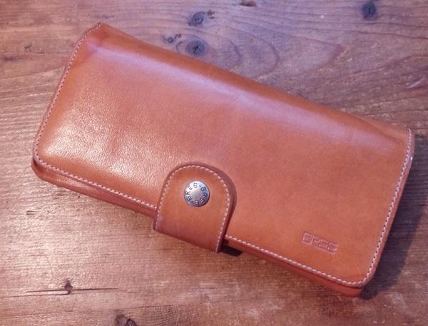 ブリー長財布