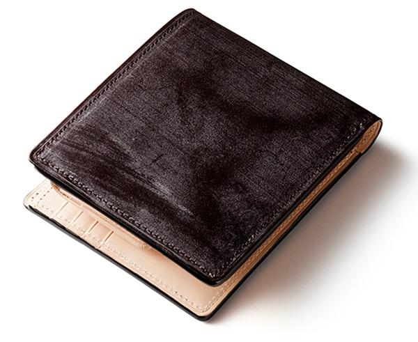 ココマイスターの二つ折り財布