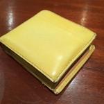 スタジオデジモ二つ折り財布