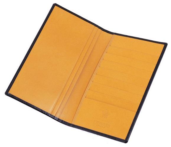 エッティンガー黄色の内装