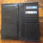 サルヴァトーレ・フェラガモは実用的な財布