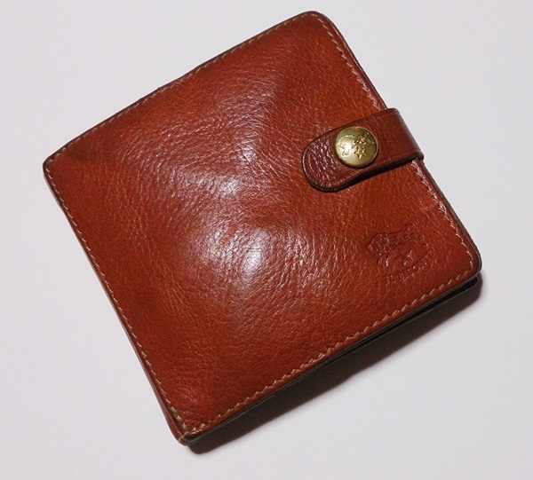 イルビソンテ二つ折り財布