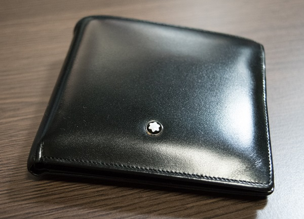 モンブラン二つ折り財布