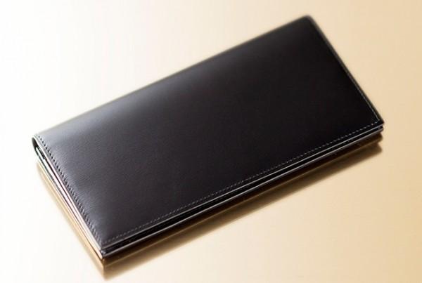 シンプルで上質な財布
