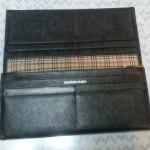 バーバリー二つ折り長財布
