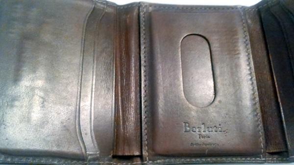 ベルルッティ三つ折財布