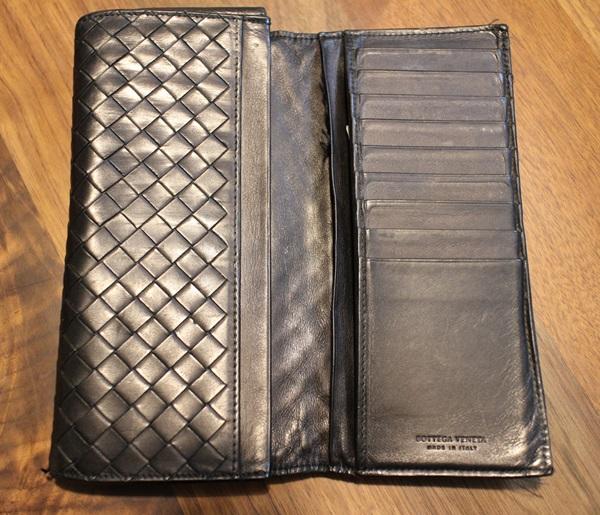 ボッテガヴェネタ二つ折り長財布内装