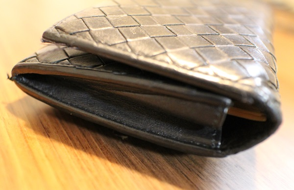 パンパンになって財布
