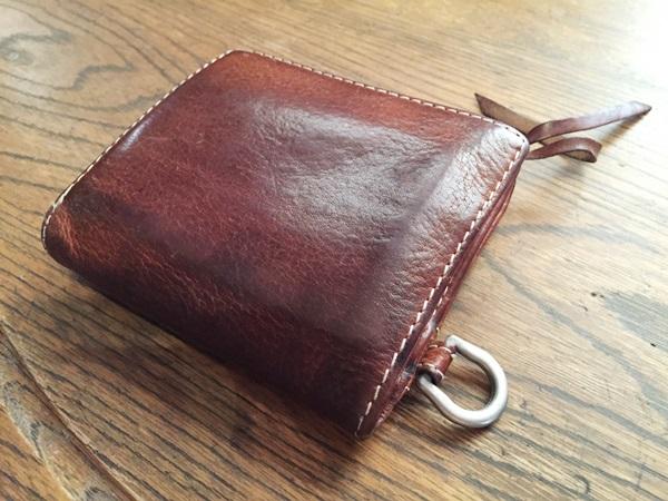 クリード サーパス二つ折財布
