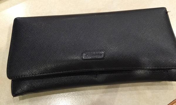フィガロ長財布