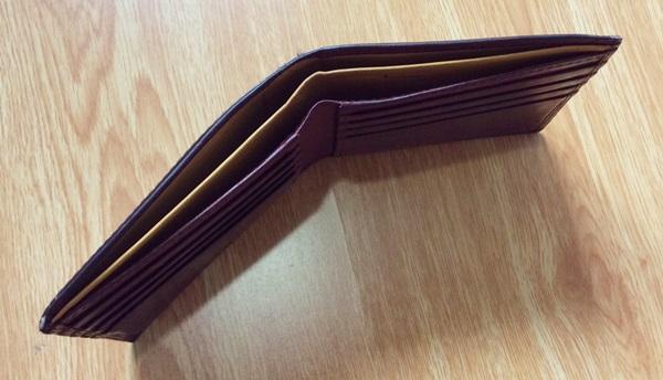 大峽製鞄の財布の厚さ