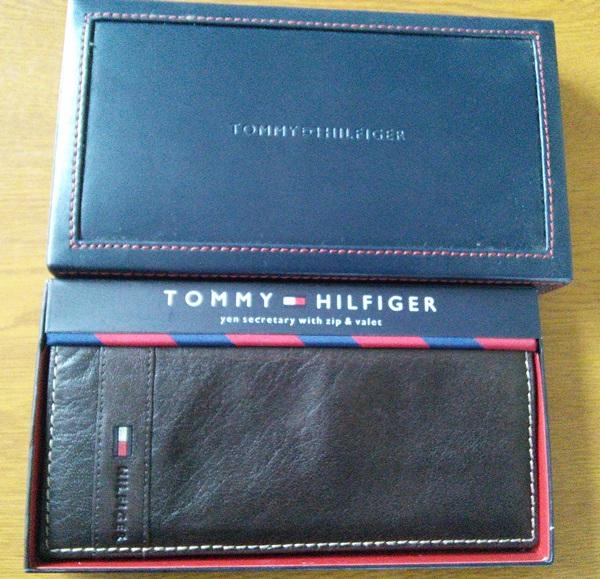トミー・ヒルフィガー長財布のケース
