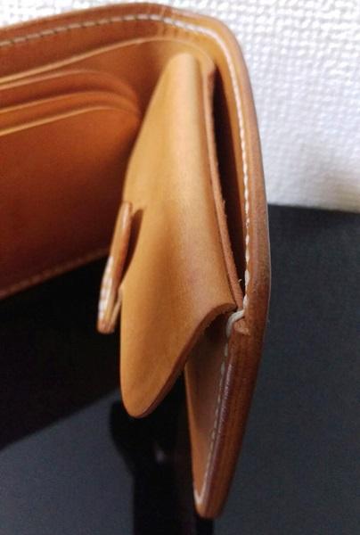 一人の職人さんの手作業で作った財布