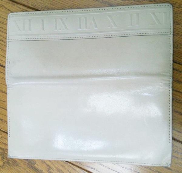 白い財布のメンテナンス