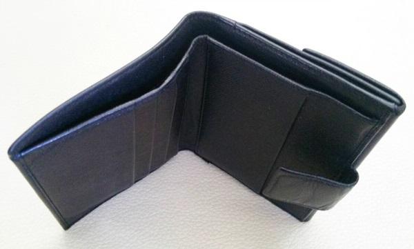 プラダ財布の構造