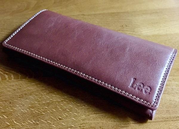 best service 659c7 b7381 大人でスタイリッシュなLeeの二つ折り長財布をレビュー ...