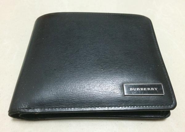 バーバリー二つ折り財布