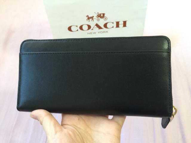 コーチ長財布の裏ポケット