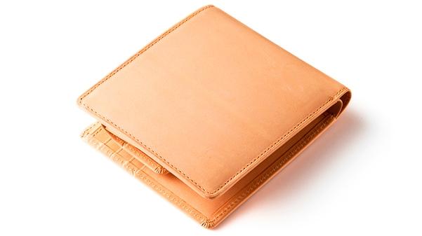 ヌメ革二つ折り財布パティーナ