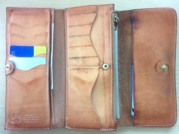 三つ折りのイルビゾンテ長財布