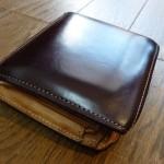 土屋鞄製作所の二つ折り財布