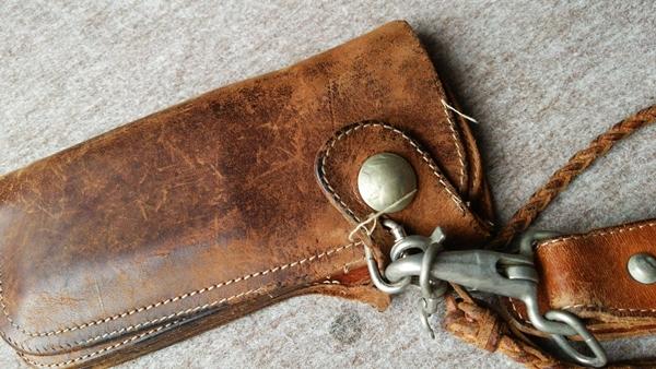 レッドムーン長財布
