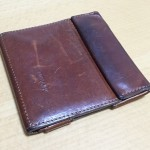 アブラサスの薄い財布ブッテーロレザーキャメル