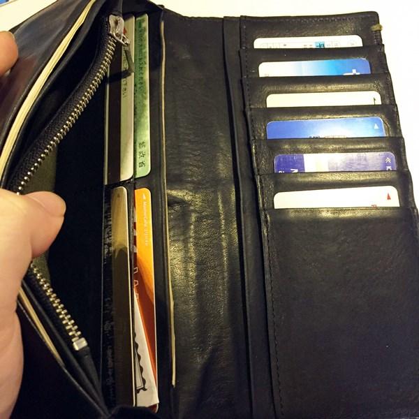 収納力も抜群のポールスミス財布
