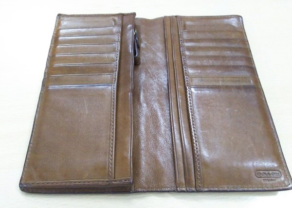 ヴィンテージ感が出てきたコーチ革財布
