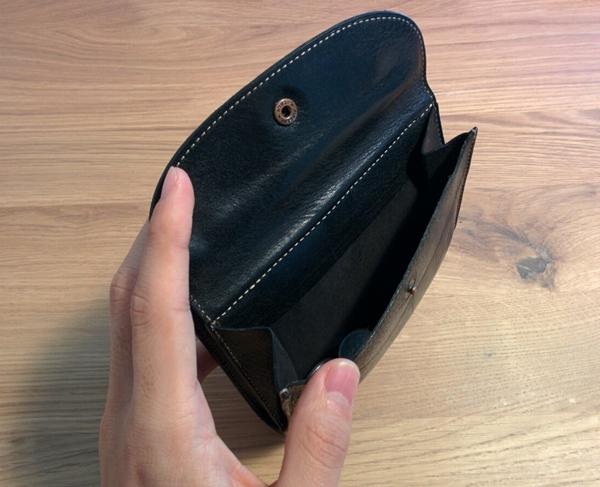 木の床帆布の二つ折り財布の小銭入れ部分