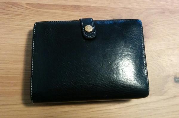 ボタンを留める木の床帆布の財布
