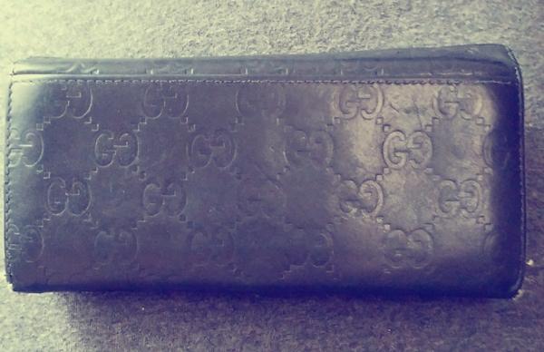 グッチシマメンズ財布の背面