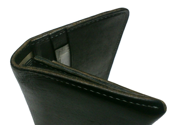 両端の消耗が激しいポーターホフの財布