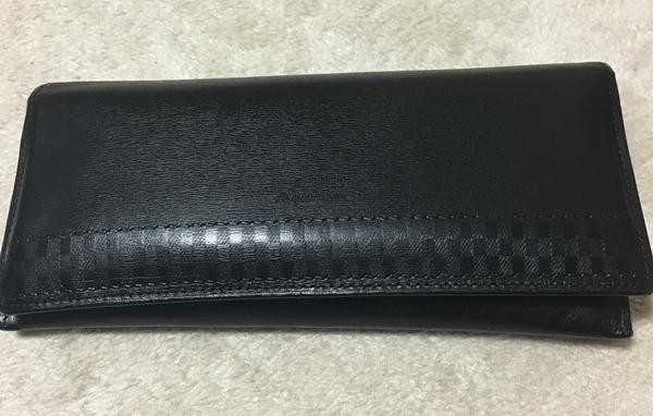 アクアスキュータムの長財布