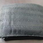エンポリオ・アルマーニの二つ折り財布