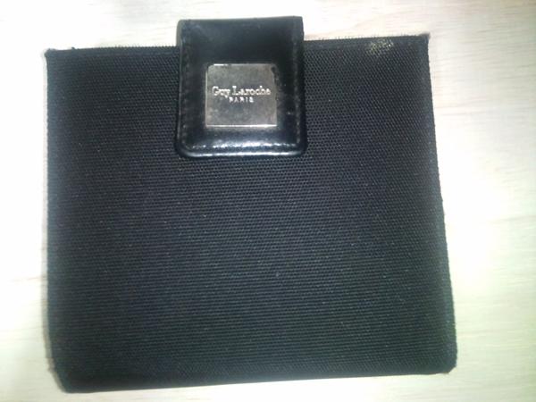 ギラロッシュ二つ折り財布