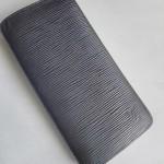 ルイヴィトン・エピのポルトフォイユ・ブラザ長財布