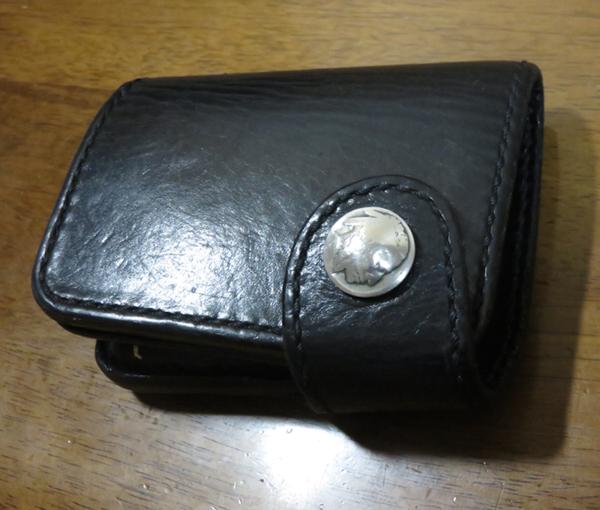 琉球レザーL.L.A二つ折り財布