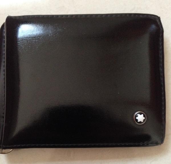 モンブランのマネークリップ付きメンズ財布