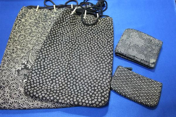 印傳の財布、小銭入れと、一緒に使用することの多い巾着合切袋