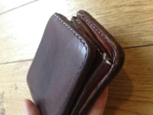 BUGGY PORT(バギーポート)の二つ折り財布エイジング
