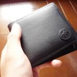ハンティングワールドの二つ折り財布